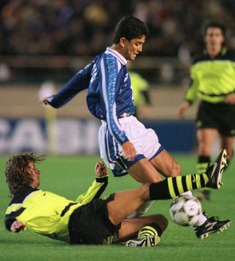 Bebeto foi um dos que chegaram ao Cruzeiro de última hora em 1997. Um causo alarmante