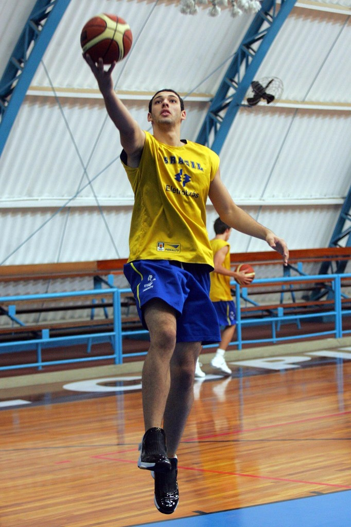 Thomas Melazzo, fora do basquete