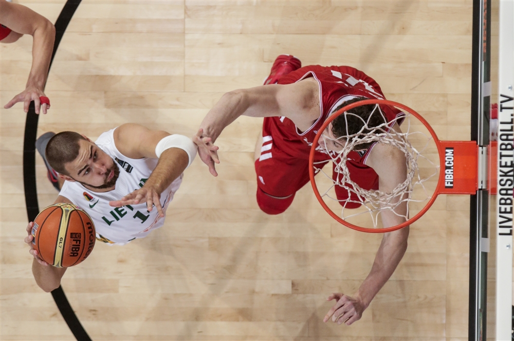 Valanciunas, o futuro do país do basquete