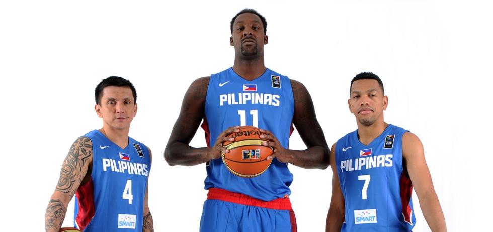 Jim Alapag, Andray Blatche e Jayson William: dois de 1,77 m e um de 2,10 m de altura