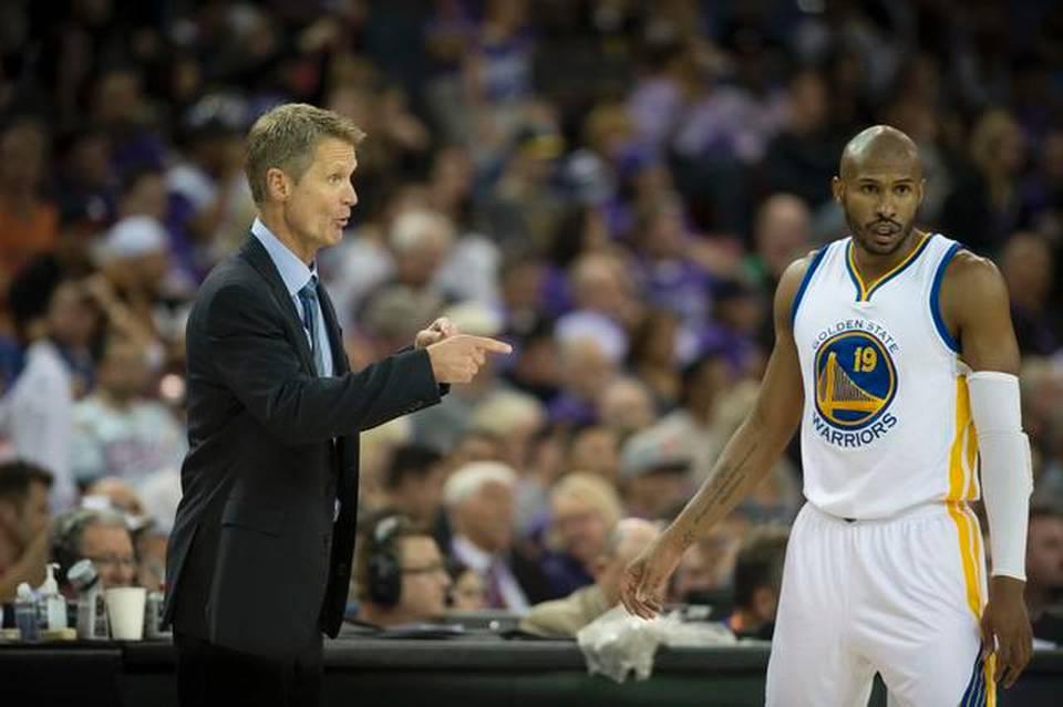 Leandrinho reencontra ex-chefe do Suns na Califórnia