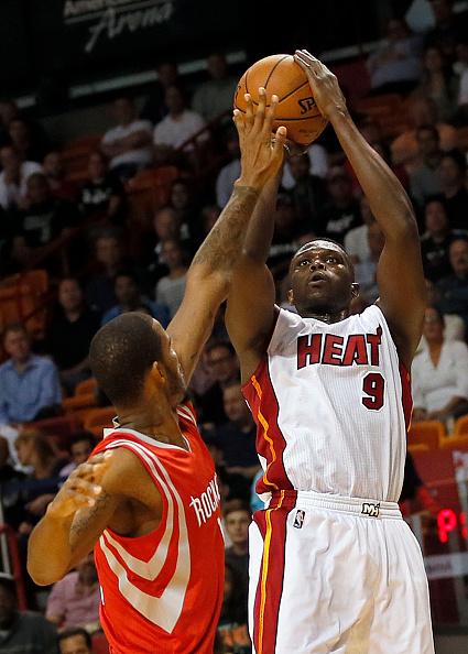 Quem aí já se acostumou com a imagem de um Luol Deng do Miami Heat?