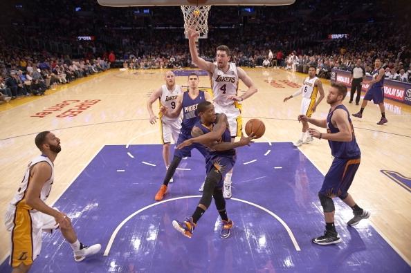 De fácil para o Suns no Oeste, só mesmo o Lakers. Afe