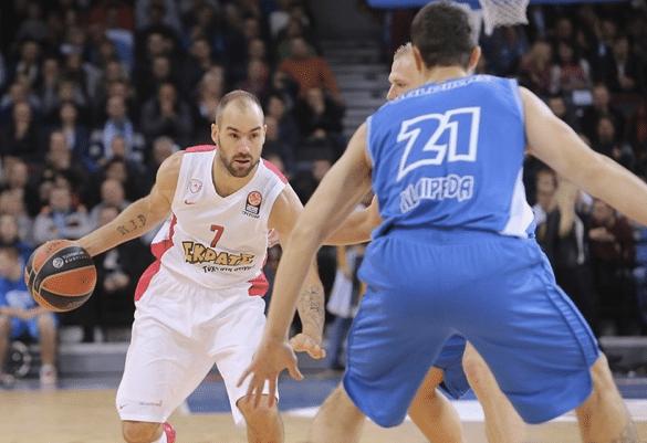 Vassilis Spanoulis, MVP da rodada. Sai da frente