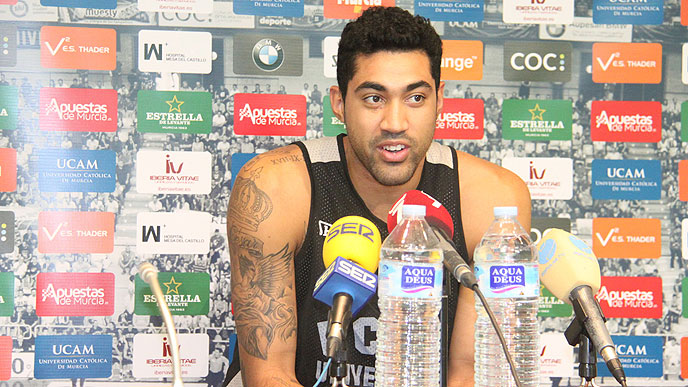 Augusto deixou de ser o garoto da base para ser estrela no Murcia