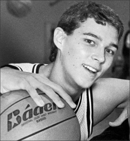 Quin Snyder levou Mercer Island a um título estadual em Washington em 1985