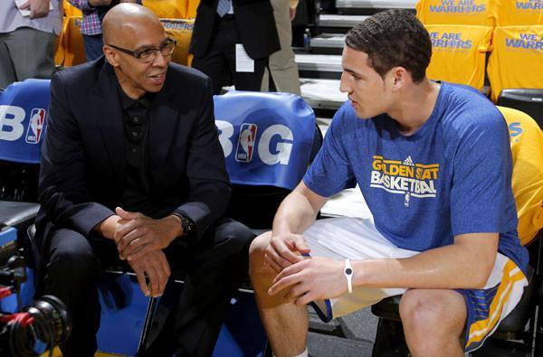 Mychal vê o filho o progredir a passos largos na NBA. Vai ficar para trás?