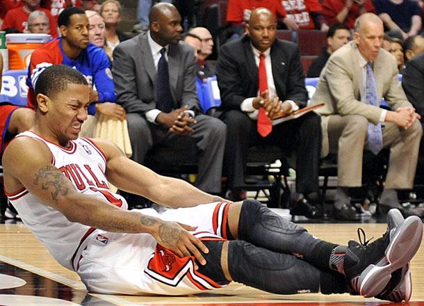 A lesão contra Philly em 2012, que suscitou uma série de cirurgias para Rose; armador volta aos mata-matas, ainda como a grande esperança da torcida de Chicago. Mas o time tem talento o suficiente para não depender exclusivamente de atuações milagrosas do seu xodó