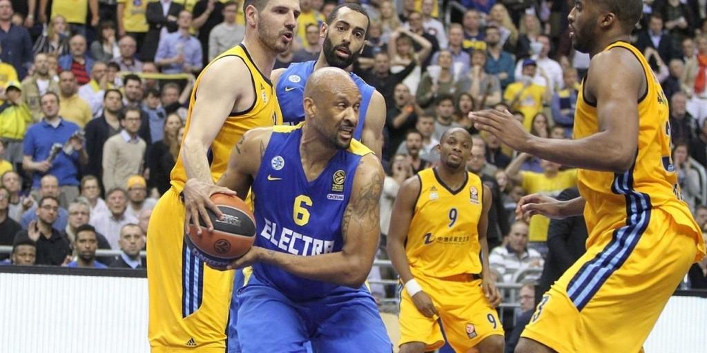 Devin Smith: 28 pontos (7/10 de três) e 7 rebotes para garantir o Maccabi em Berlim