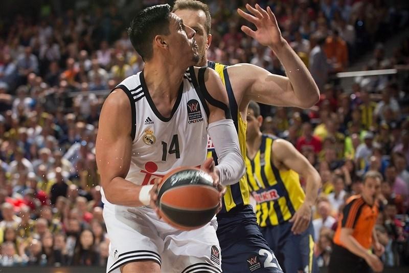 Ayón guardou o melhor para o fim: exibição completa contra o Fenerbahçe
