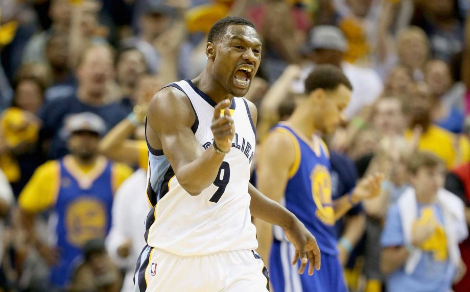 Tony Allen, uma peste infernizando os Splash Brothers