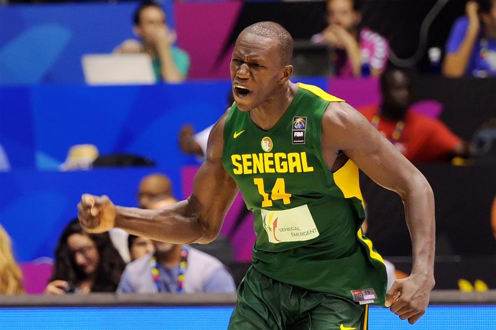 Gorgui Dieng volta a jogar por Senegal. Candidato a MVP