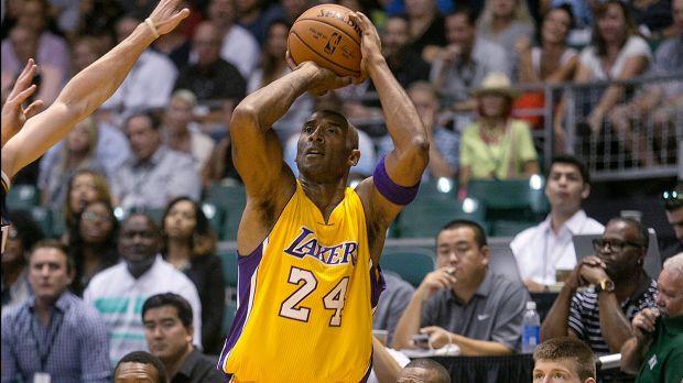 Kobe e o look de veterano: vindo de lesões graves no tendão de Aquiles, na rótula e no ombro, o que esperar dele? Um jogo mais terreno, mas com menos arremessos forçados e propensão ao passe? Talvez seja o melhor cenário, contra jogadores mais altos na ala
