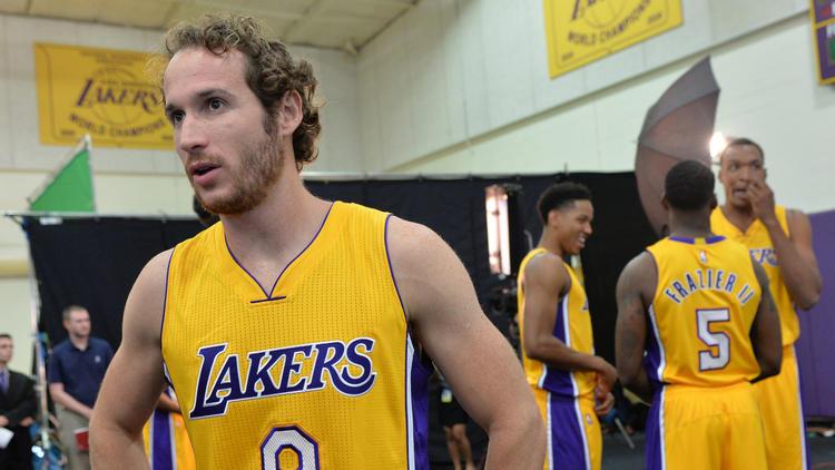 Huertas ainda não jogou na pré-temporada e tem contrato sem garantias: ainda assim, se o Lakers optar por cortá-lo, seria difícil de entender o acerto com ele em primeiro lugar. Experiente, armador visionário, tem tudo para influenciar positivamente o cotidiano de Clarkson e Russell