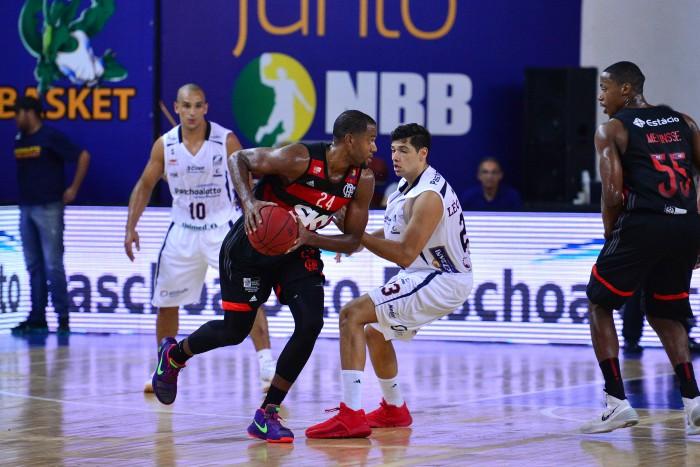 Sósia de Iguodala, Robinson é um veterano de 35 anos reforçando o Flamengo