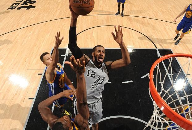 LaMarcus: 26 pontos e 13 rebotes em 37 minutos, capitaneando o ataque lento do Spurs
