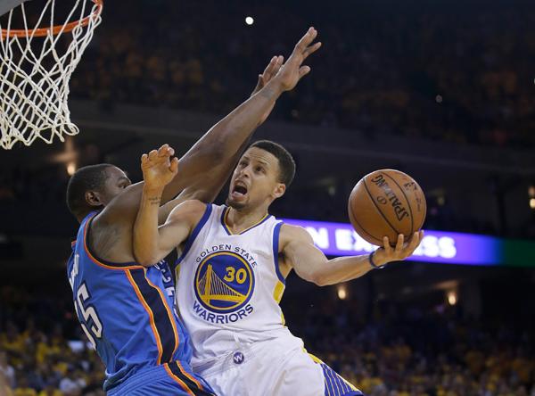 Curry fez splash mais de pertinho pelo Jogo 5