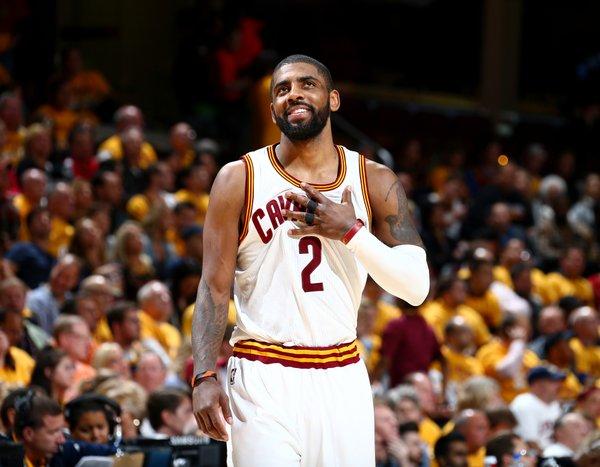 Irving está acertando 56% de seus arremessos em situação de pick-and-roll. A média da NBA é de 40%