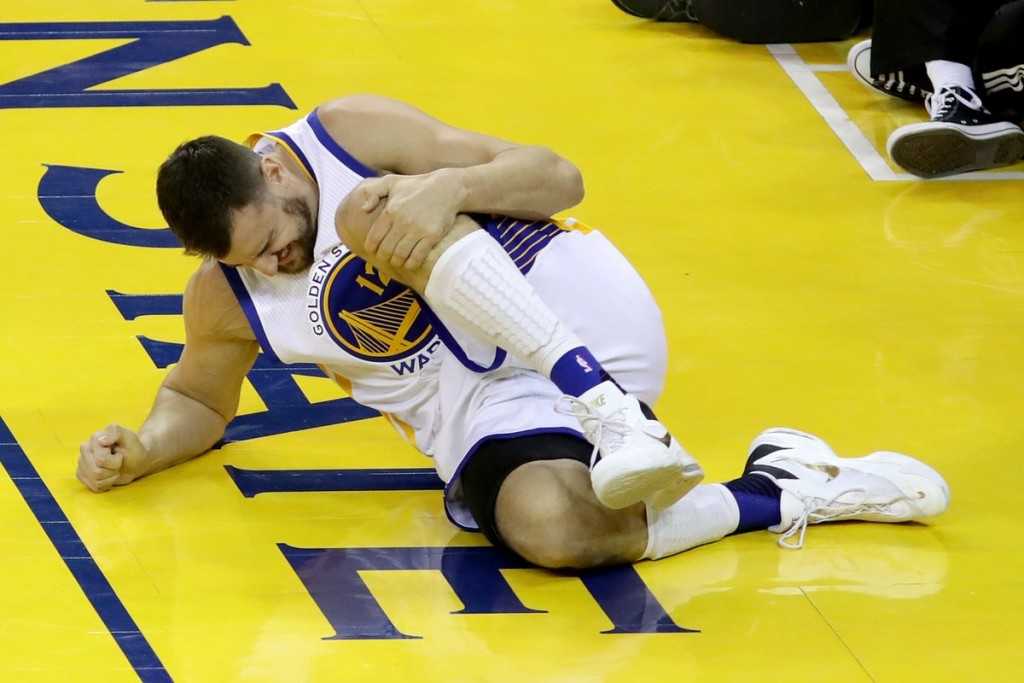 bogut-knee-injury-finals-australia