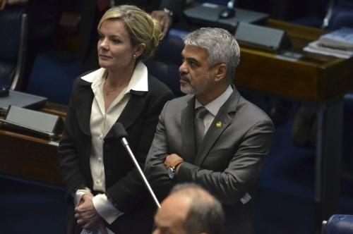 Os senadores Gleisi e Humberto. Foto: ABr