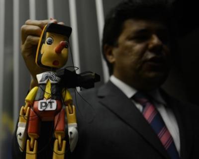 Mendonça Filho, em protesto contra o PT na Câmara. Foto: ABr