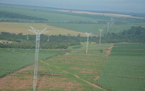 A linha de transmissão Porto Velho - Araraquara 2, liberada pelo Ibama. A de Belo Monte Pará-Minas terá 2 mil km. Foto: Ibama