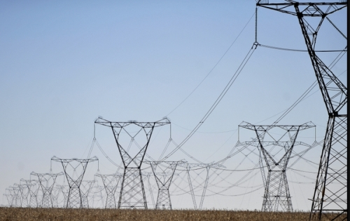 Linhas de transmissão de uma usina hidrelétrica no País. Foto de arquivo: ABr