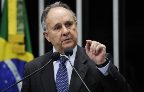 Cristovam - Ele retoma o sonho de disputar o Planalto. Foto: Ag. Senado