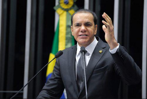 O senador Ataídes - há desconexão com a realidade. Foto: Ag. Senado