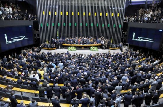 O plenário da Câmara em dia de sessão do Congresso: sempre foi assim, a pauta por conveniência corporativista.
