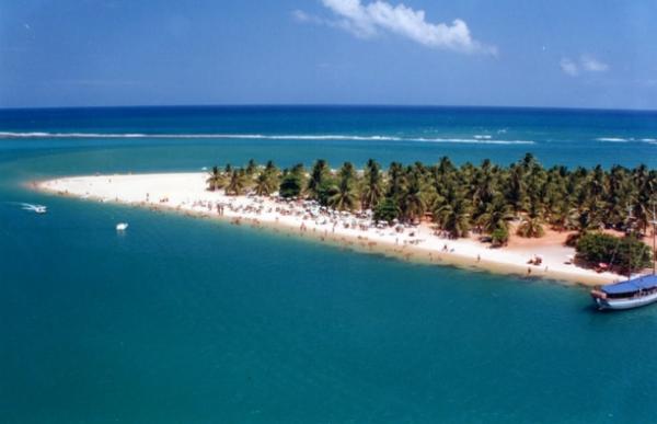 Parte da vista aérea da Praia do Saco, no extremo Sul de Sergipe, na divisa com a Bahia