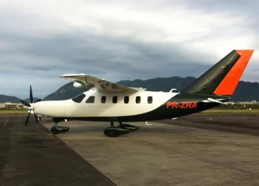 O avião que se acidentou hoje em SP