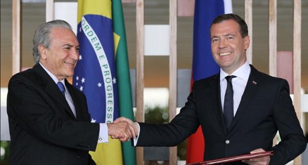 Temer, com Medvedev, em viagem de 2015