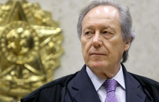O presidente Lewandowski: ele não quer mais pepino político na Corte.