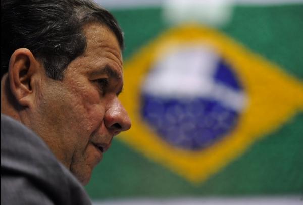 Carlos Lupi, presidente do PDT - ele prometeu bancada unida à Dilma, e se sentiu ultrajado pelos deputados