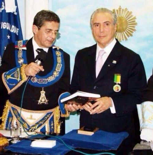 Temer é homenageado pelo grão mestre Benedito Ballouk - foto de arquivo