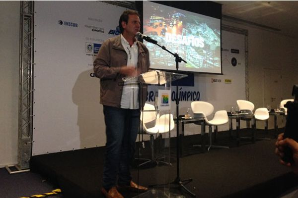 Paes discursa na abertura do evento
