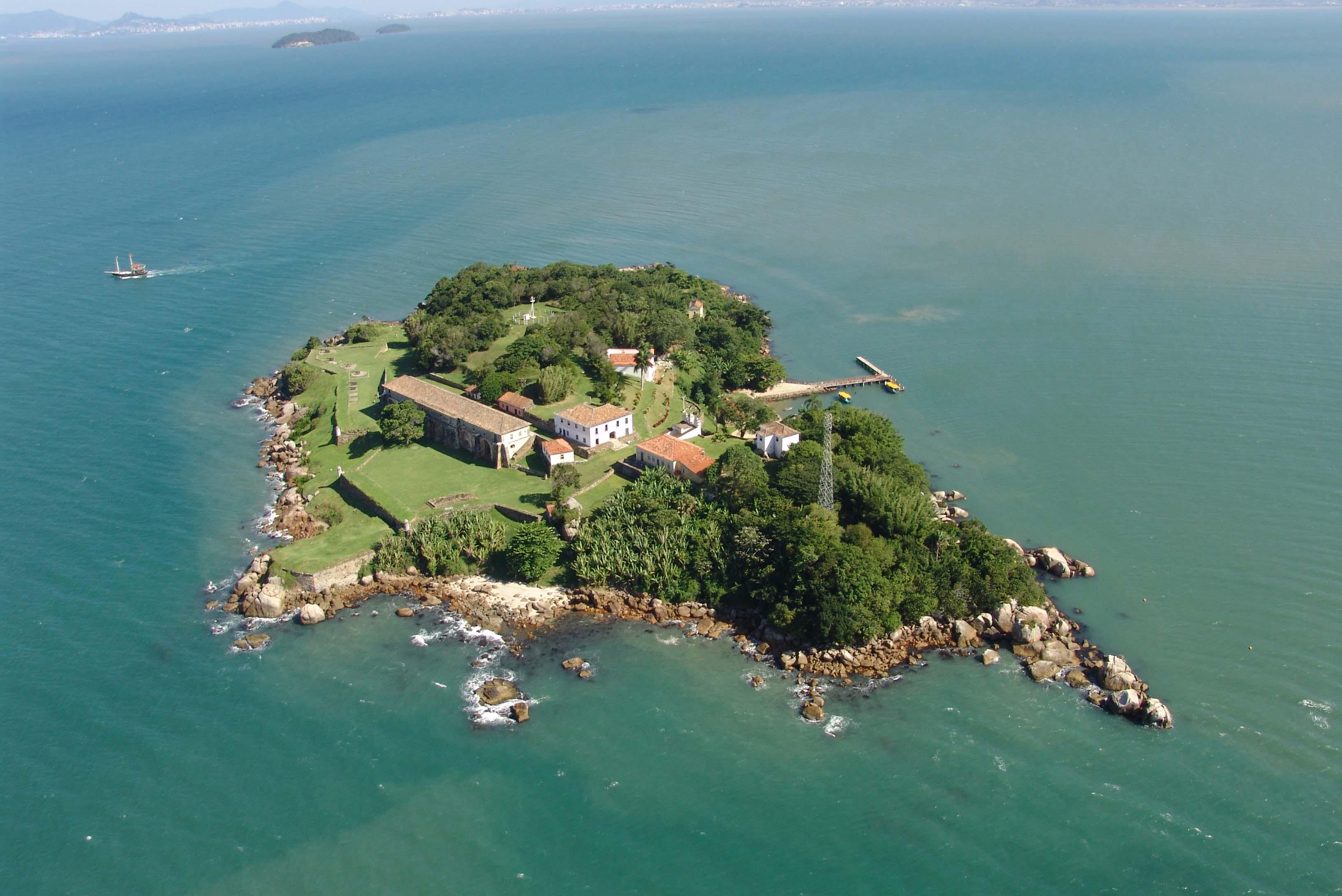 Resultado de imagem para ilha de anhatomirim