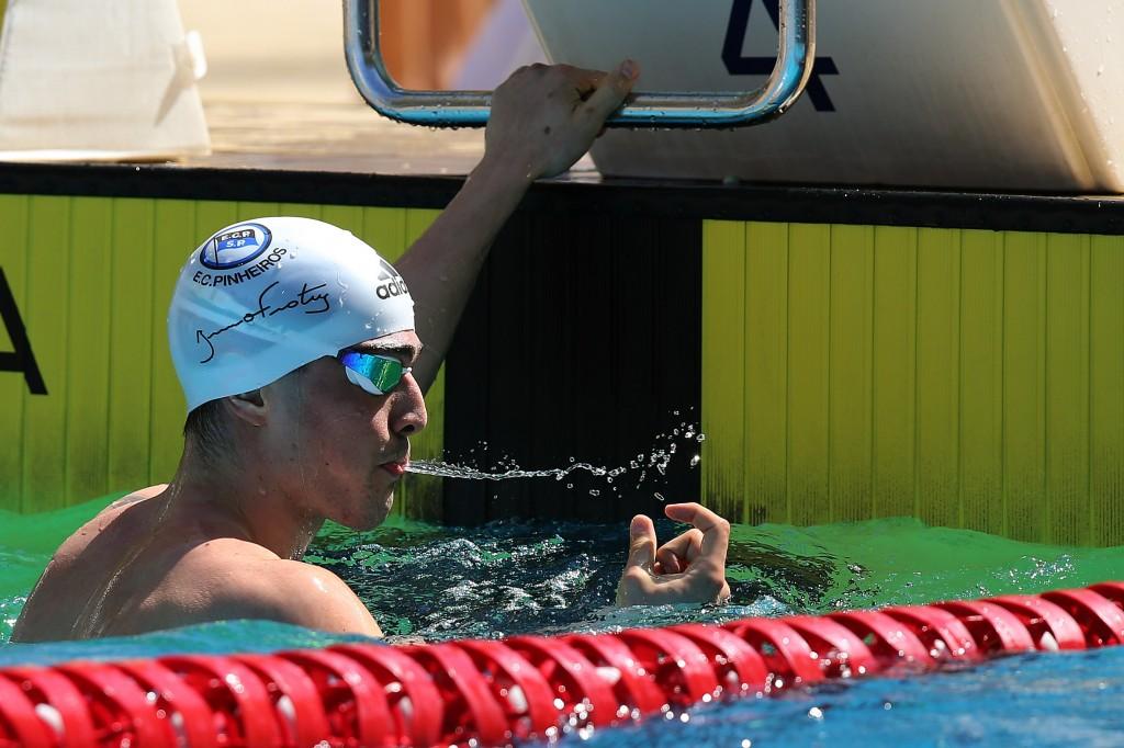 O velocista estreia em piscina de jardas - Foto Satiro Sodré