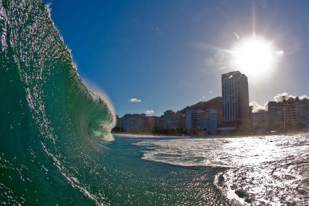 Que tal encarar os mares de Copacabana? - Foto: Reprodução