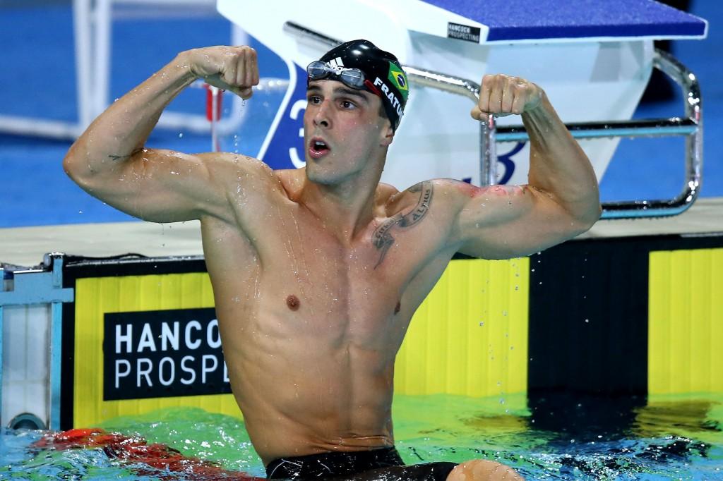 Fratus comemora sua vitória nos 50m livre - Foto: Satiro Sodré