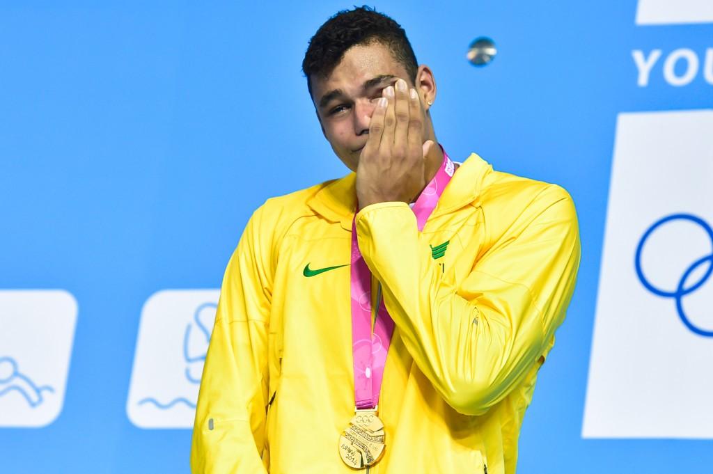 O brasileiro não aguentou a emoção do hino nacional - Foto: Wander Roberto/Inovafoto/COB
