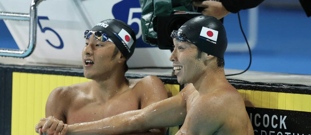 Os japoneses Daiya Seto e Kosuke Hagino chegam confiantes a Incheon - Foto: Reprodução