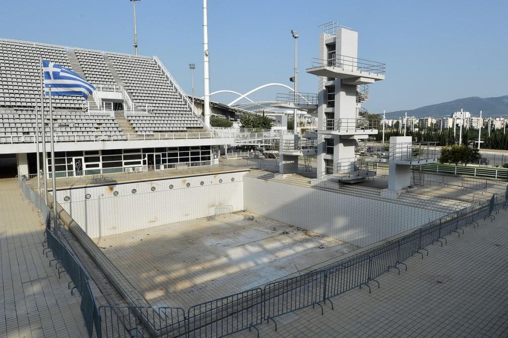 O tanque de saltos ornamentais de Atenas está abandonado - Foto: Milos Bicanski/Getty Images