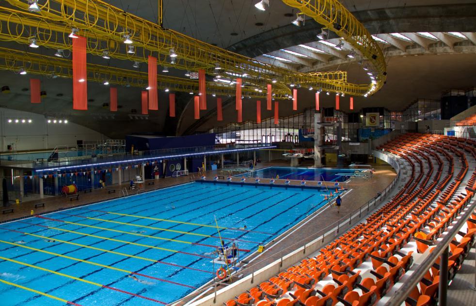 A piscina de Montreal esta atualmente sendo reformada e reabre em 2015 - Foto:  Tony Hisgett