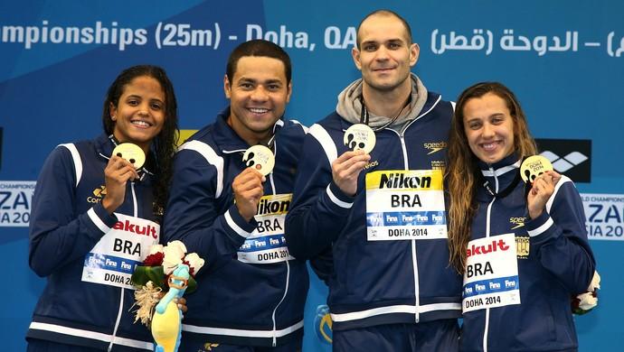 Etiene Medeiros, França, Nicholas Santos e Larissa Oliveira: inédito - Foto: Satiro Sodré/SSPRESS