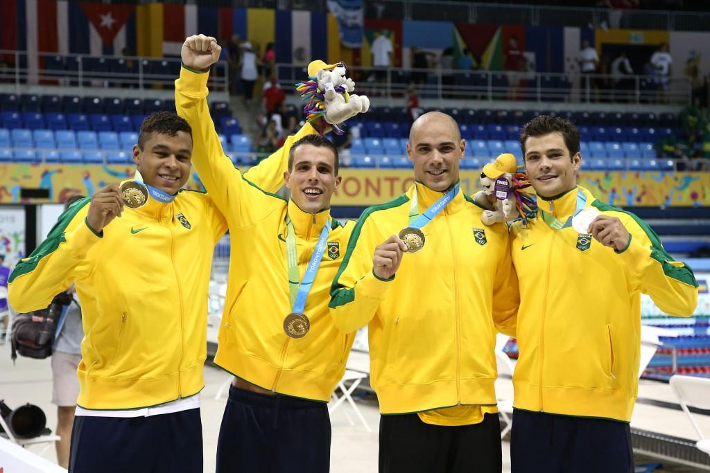 O quarteto do 4x100m livre foi ouro no Pan e 4º no Mundal - Foto: Satiro Sodre/SSPress