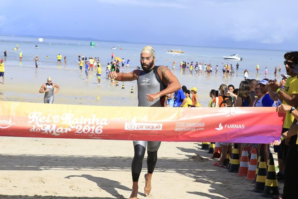 Luis Rogério Arapiraca no momento de sua vitória – Foto: Site do Rei e Rainha do Mar