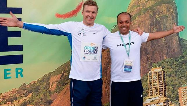 Govorov e o técnico Ari Silva – Foto: Reprodução