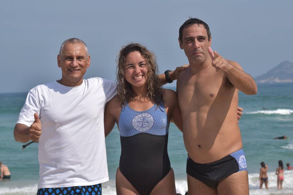 O trio de nadadores Paulo, Patrícia e Adherbal – Foto: Reprodução